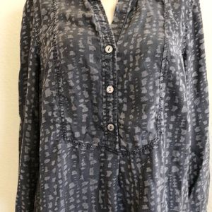 NIC+ZOE Tops - Gray on gray animal print tunic top